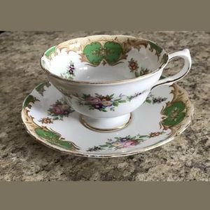 Grosvenor Footed Teacup & Saucer